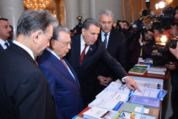 Stand of National Museum of Azerbaijan Literature was demonstrated in the annual general assembly of ANAS