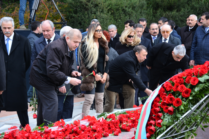 Representatives of ANAS visited the grave of the great leader Heydar Aliyev in the Alley of Honor