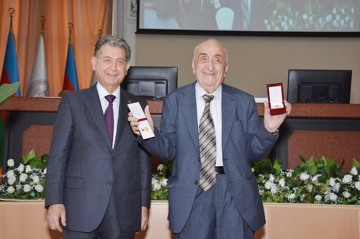 """Gold Medal after Nizami Ganjavi"" presented"