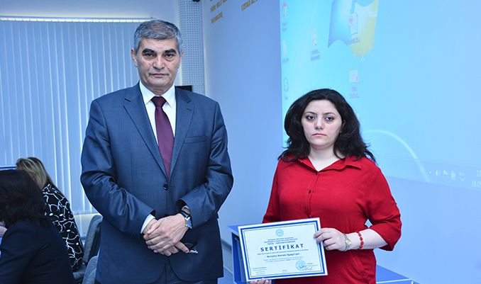 "Training Participants on ""Electronic Test System"" awarded certificates"